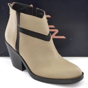 Naya Atom Back Zip Booties Ankle Boots 6.5 M New